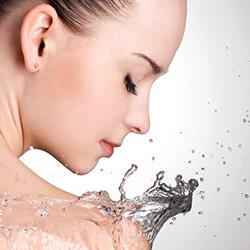 Feuchtigkeitsspendende und antibakterielle Creme